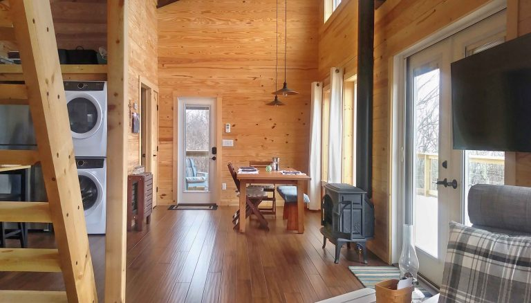 Shenandoah Valley Cabin dining area and laundry